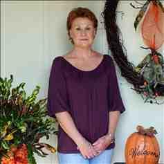 Beth McLellan : Mossy Oak Properties Recreational & Timber Land Sales