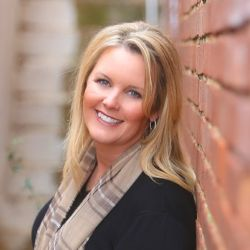 Julie Thompson @ RE/MAX Farm & Home