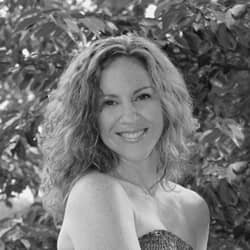 Sara Folk : Creator of Impressions