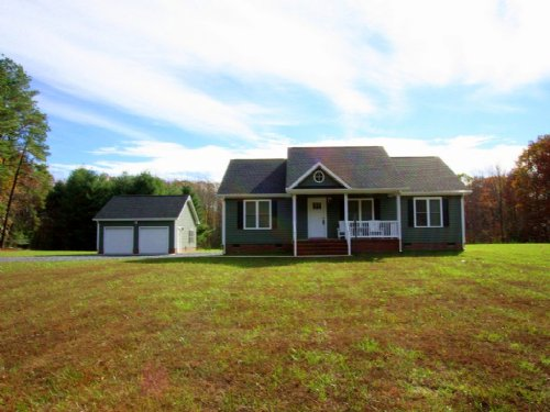Lovely Home : Cartersville : Cumberland County : Virginia
