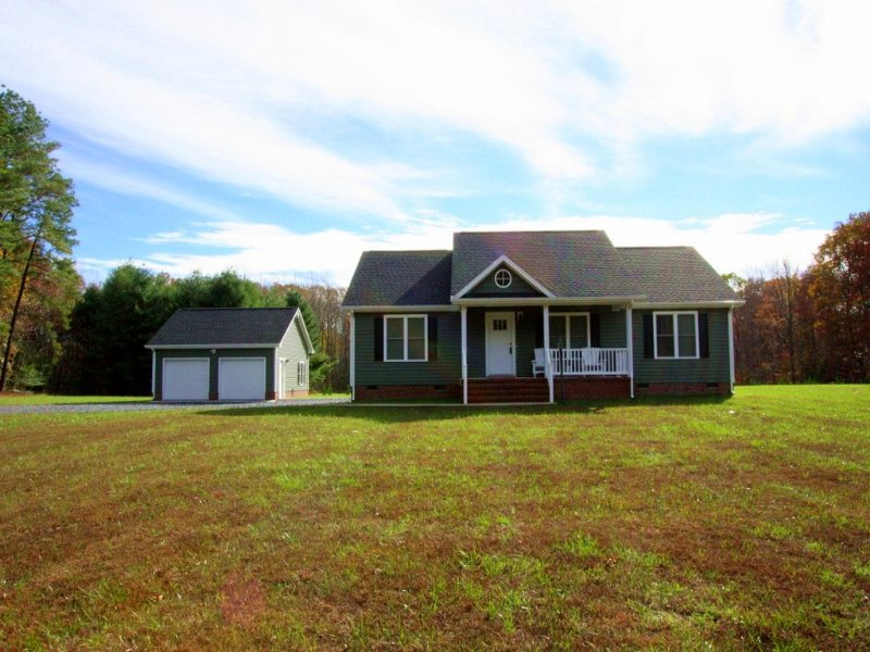 Lovely Home : Cartersville : Cumberland County : Virginia