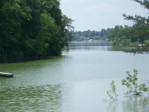 Gated Community On Douglas Lake : Dandridge : Jefferson County : Tennessee