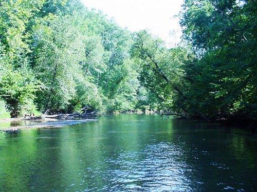 Private River Retreat : Halifax County : Virginia
