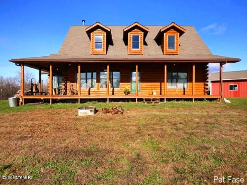 Log Sided Home On 123 Acres : Leroy : Osceola County : Michigan