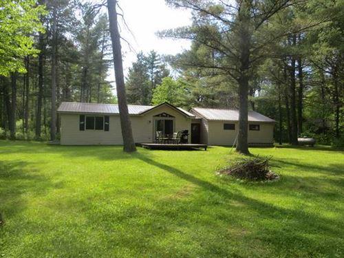 Tomahawk River Ranch Home : Minocqua : Oneida County : Wisconsin