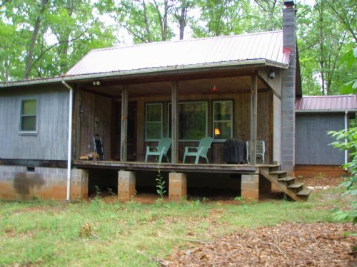 Cabin At Twin Lakes : Drakes Branch : Charlotte County : Virginia