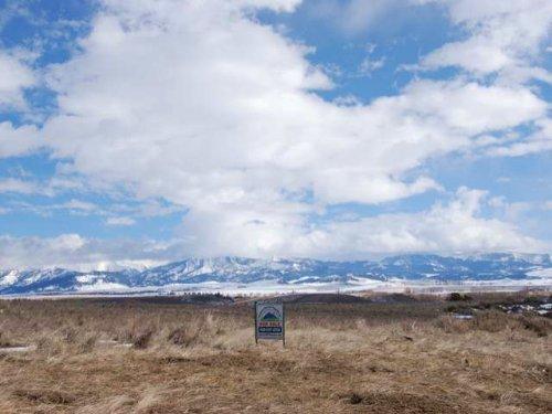 Shields River Valley Gem Iiii : Clyde Park : Park County : Montana