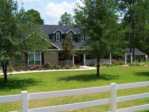 A Spacious And Charming Home : Jesup : Wayne County : Georgia