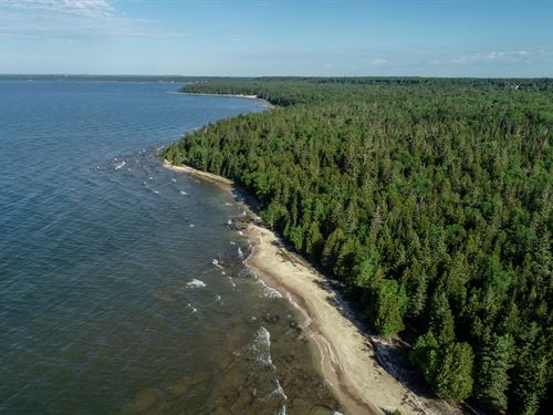 9000 Ft Of Lake Michigan Frontage : Manistique : Schoolcraft County : Michigan