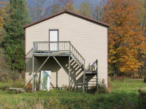 Garage 35 Acres Well And Septic : Camden : Oneida County : New York