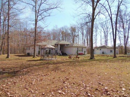 Gotta Love It : Farmville : Cumberland County : Virginia
