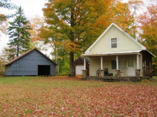 Cabin With All Amenities Pole Barn : Osceola : Lewis County : New York