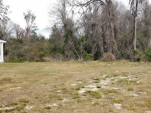 .13 Acre Lot In Mobile Home Zoning : Leesburg : Lake County : Florida