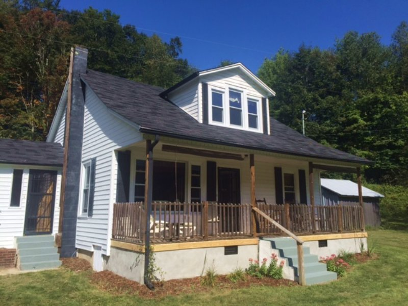 Mountain Home In Blue Ridge Mtns. : Whitetop : Grayson County : Virginia