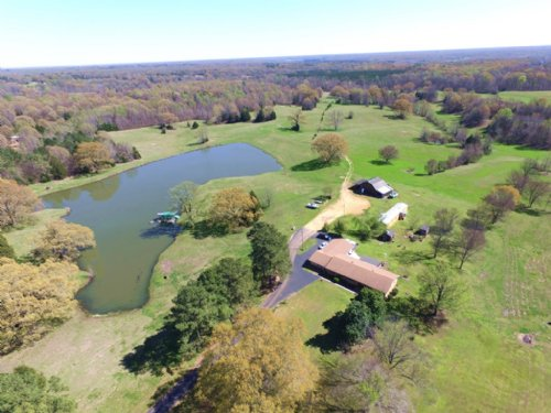 2716 Sq Ft 4 Br 4 Ba Home On 89 Ac : Sarah : Tate County : Mississippi