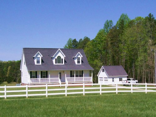 Hidden Lake Farm : Victoria : Lunenburg County : Virginia