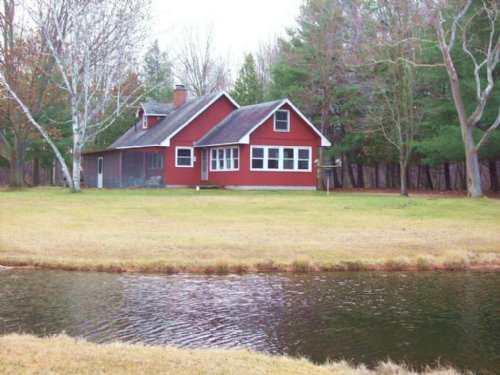 Charming Cottage On 160 Acres : Riverdale : Montcalm County : Michigan