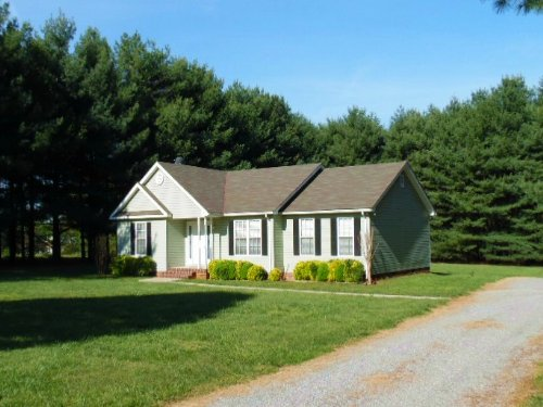 Pretty As A Picture : Pamplin : Prince Edward County : Virginia