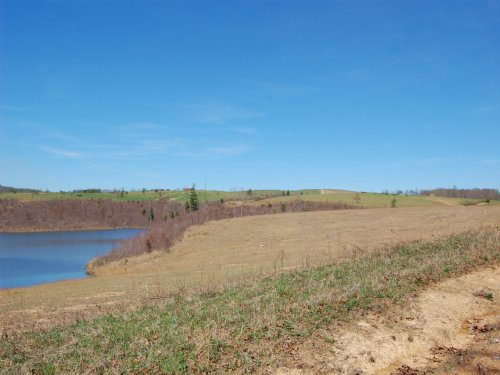 104 Acres With 10 Acre Private Lake : Grandview : Rhea County : Tennessee