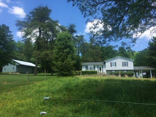 Country Home On Acres : Horse Cave : Hart County : Kentucky