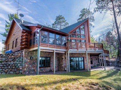 Two Sisters Lake Luxury Home : Newbold : Oneida County : Wisconsin