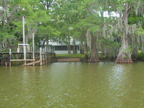 Waterfront Camp On Grand Lac : Marksville : Avoyelles Parish : Louisiana