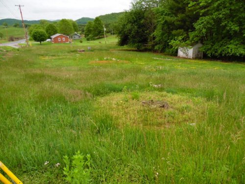 Lot Near Grayson Highlands School : Troutdale : Grayson County : Virginia
