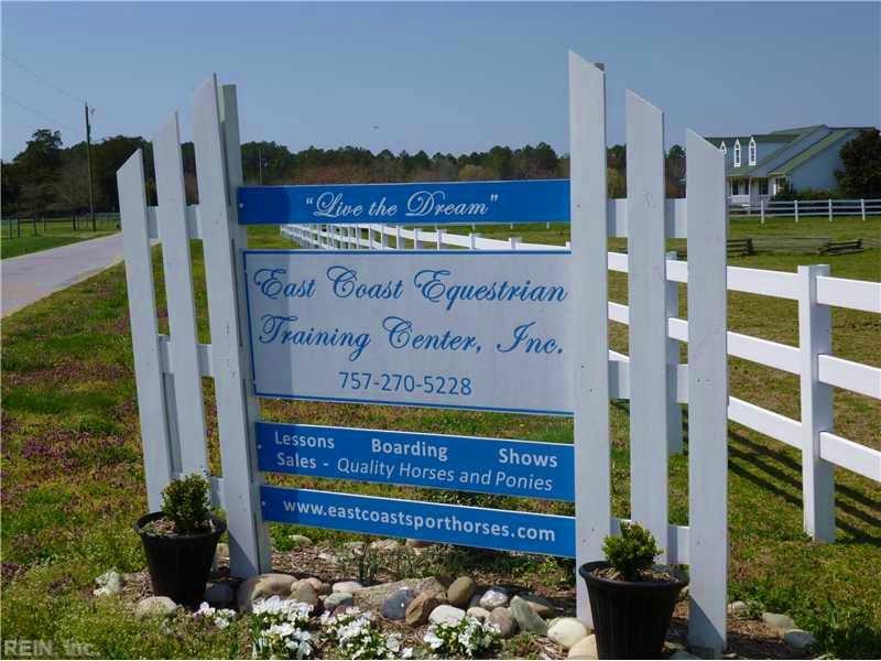 Income-earning Horse Farm For Sale : Virginia Beach : City of Virginia Beach County : Virginia