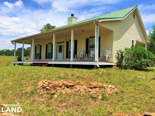 Private Getaway With Hilltop Views : Bowdon : Carroll County : Georgia