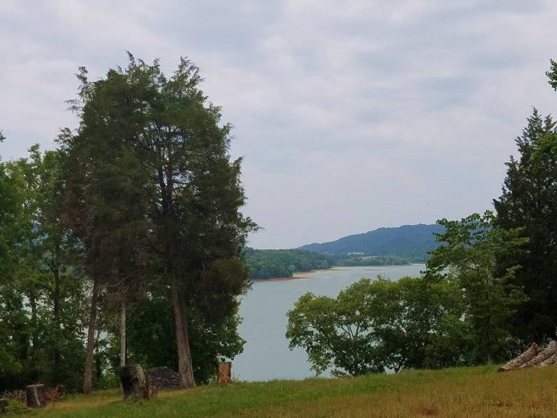 Gorgeous Cherokee Lake Views : Mooresburg : Hawkins County : Tennessee