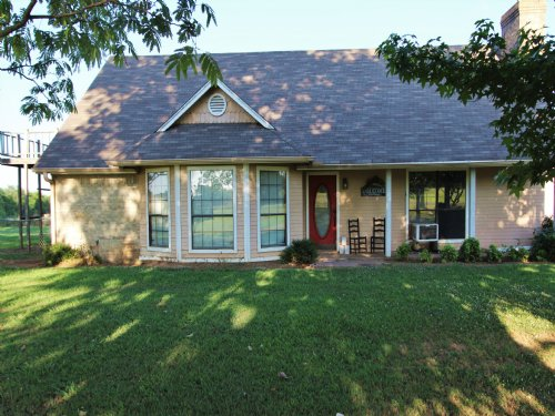 Country Home On Acreage For Sale : Pattonville : Lamar County : Texas