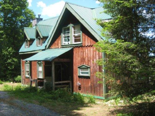 Mountain Home In Adirondacks Barn : Norway : Herkimer County : New York
