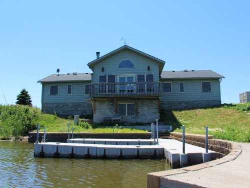 Swan Lake Lodge : Hoven : Walworth County : South Dakota