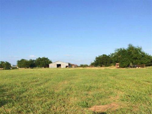 6+ Acres / 30150 : Paris : Lamar County : Texas