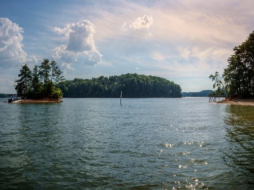 Exclusive Lake Norman Waterfront : Lake Norman : Iredell County : North Carolina