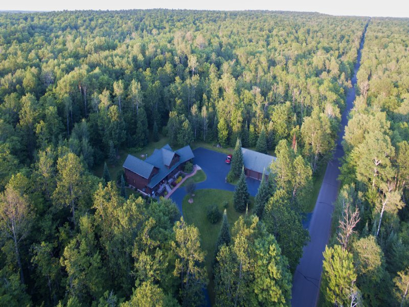 Luxury In The Woods : Winchester : Vilas County : Wisconsin
