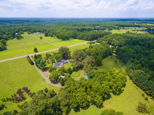 Lovely Home On 38 Acre Horse Farm : Cumberland : Virginia