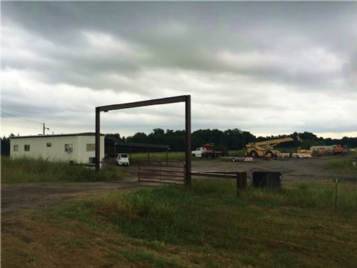 5+ Commercial Acres / 13422268 : Bonham : Fannin County : Texas