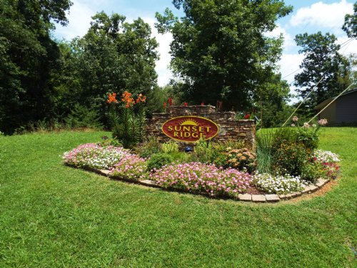 Sunset Ridge 9+ Acre River Lot : Crossville : Cumberland County : Tennessee
