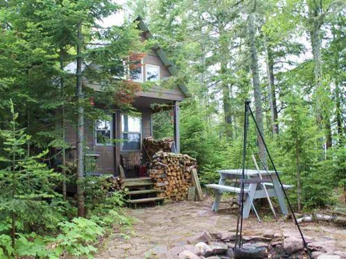 11d Ravenswood Dr., Mls# 1097287 : Lanse : Baraga County : Michigan