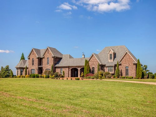 58 Ac W/ Gorgeous Custom Home : Hohenwald : Lewis County : Tennessee