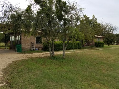 3/1.5 Brick Home On 3 Acres : Stephenville : Erath County : Texas