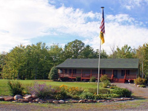 House In Kendall Garage 43 Acres : Kendall : Orleans County : New York