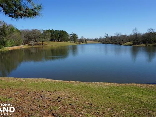 Weekend Retreat With Lakes : Sawyerville : Hale County : Alabama