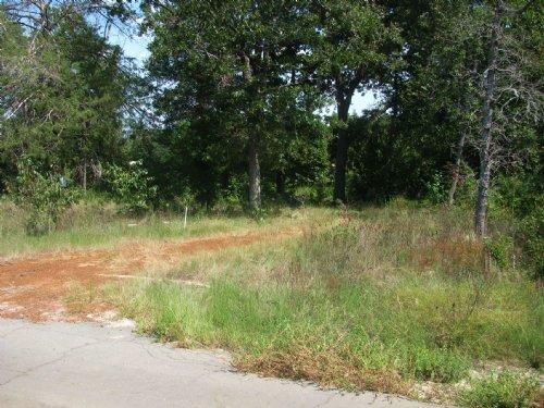 Land Near Enchanted Lake Mineola, : Mineola : Wood County : Texas
