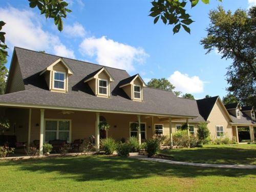 Hideaway Farm : Montgomery : Texas