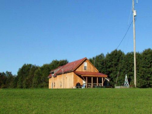 42 Acres Lodge Bordering State Land : Pharsalia : Chenango County : New York