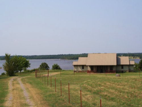 Central Oklahoma Lake Overlook Home : Chandler : Lincoln County : Oklahoma