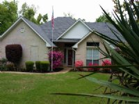 Lakefront House And Acreage : Powderly : Lamar County : Texas