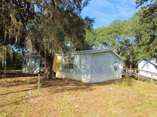 3/2 Mh On Private 10 Acres 772848 : Chiefland : Levy County : Florida